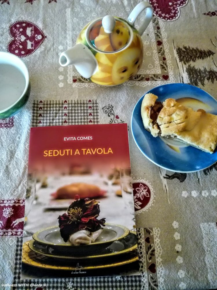 Seduti a tavola di Evita Comes