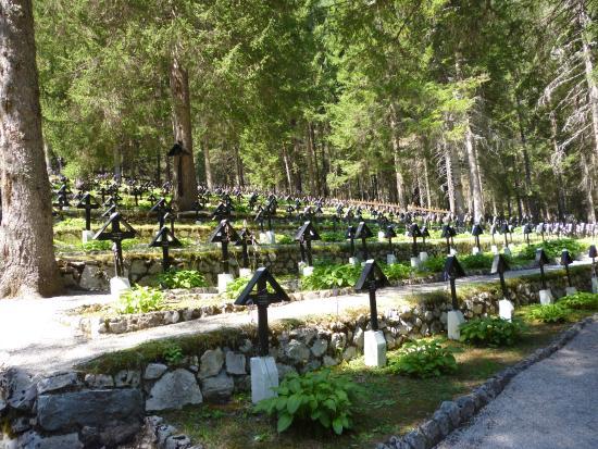 cimitero-di-guerra-sorgenti